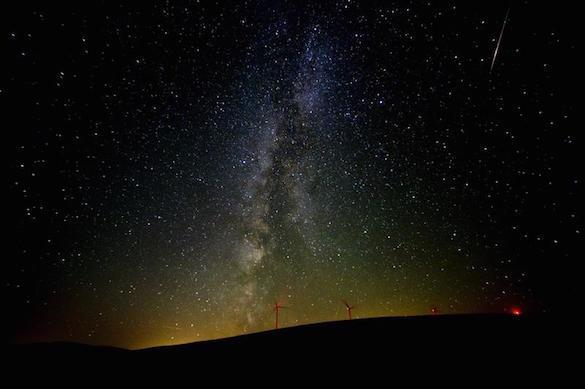 Стало известно, когда можно будет увидеть самые красивый звездопад года. 373543.jpeg