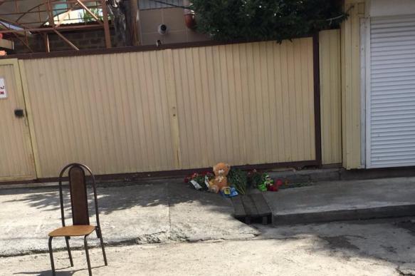 Родители утонувшего в канализации ребенка закрыли дело за 150 000 рублей. 395544.jpeg