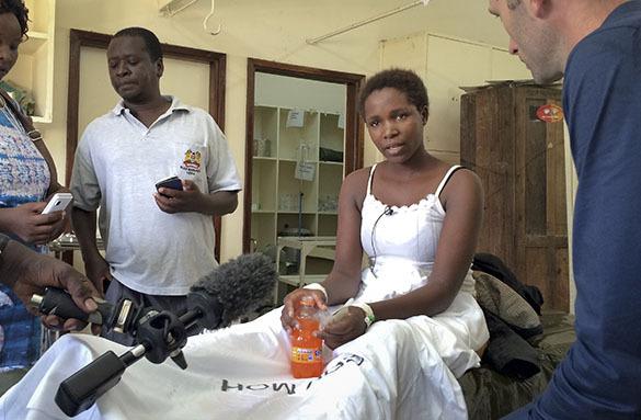 Выжившая студентка кенийского университета не поверила спасавшим ее полицейским. Кения