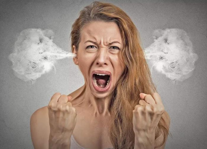 Женщина в истерике