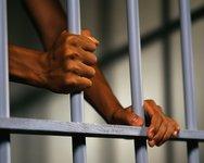 Подозреваемый повесился в суде на шнурке от обуви. 245546.jpeg