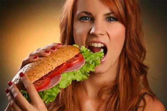 Ученые нашли причину склонности к перееданию