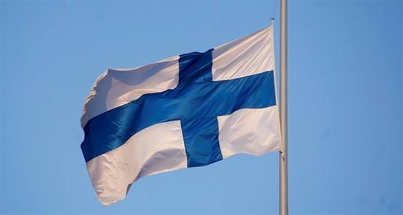 В Финляндии требуют от ЕС возместить убытки от контрсанкций России. флаг Финляндии