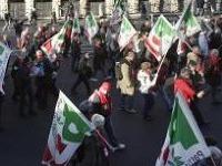 Почти две тысячи итальянских мэров вышли на акцию протеста. 244552.jpeg