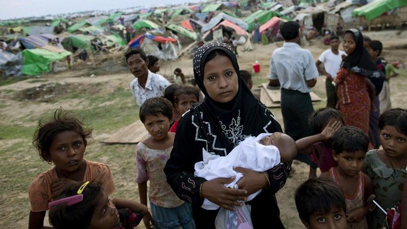 Триста тысяч мусульман сбежали из Мьянмы в Бангладеш. Триста тысяч мусульман сбежали из Мьянмы в Бангладеш
