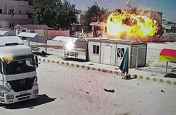 """Боевики """"Исламского государства"""" атаковали Кобани. Взрыв в Кобани"""