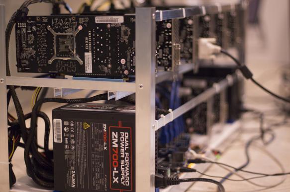ЦБ РФ готов разрешить майнинг криптовалют, но не обмен. 382553.jpeg