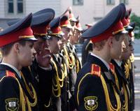 Суворовские училища объявили набор девочек