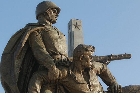 Польша избавляется от Мавзолея воинов Красной армии. Польша избавляется от Мавзолея воинов Красной армии