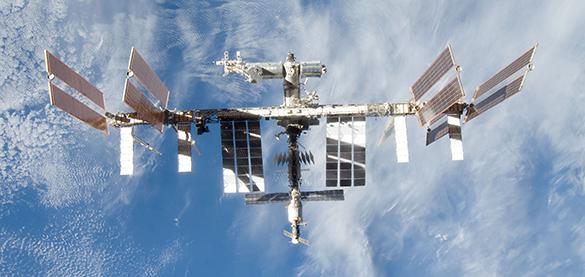 Космонавты поздравили женщин с 8 марта. 289556.jpeg