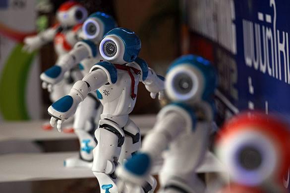 Когда придут роботы, люди переедут в виртуальную реальность