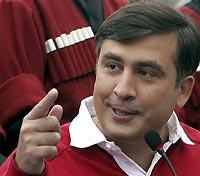 При виде Саакашвили верующие разбегаются