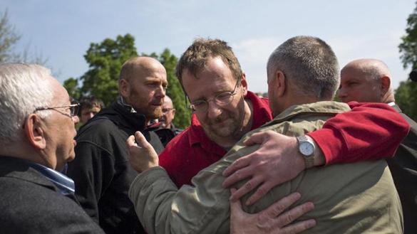 Владимир Лукин: Из Донецка нужно спасти хотя бы женщин, детей и стариков. 292558.jpeg