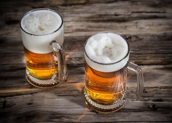 """Пиво на ходу - """"безобидная"""" привычка. бокал пива"""