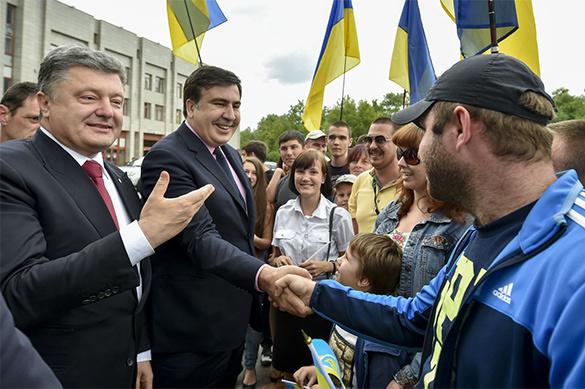 Саакашвили рассказал, что Порошенко два года уговаривал его стат