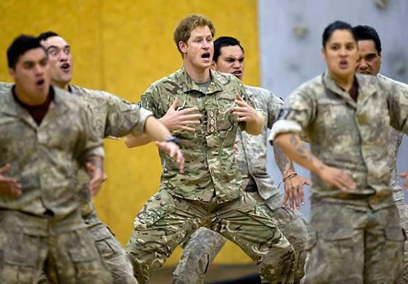 Принц Гарри во время визита в Новую Зеландию исполнил национальный танец хака. принц Гарри, танец хака