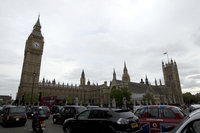 Лондонский туман отменил более 170 рейсов. london