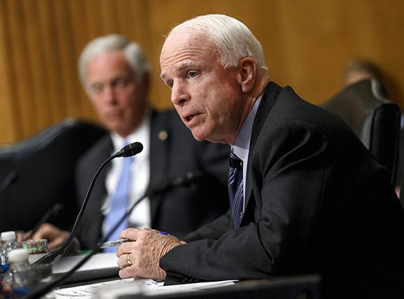 Маккейн заявил об ответственности Обамы за расстрел в Орландо