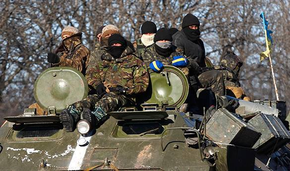 Киев пытается справиться с повальным пьянством военных драконовскими штрафами. Украинские солдаты на броне БТР