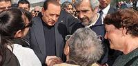 Берлускони неудачно пошутил над выжившими в землетрясении