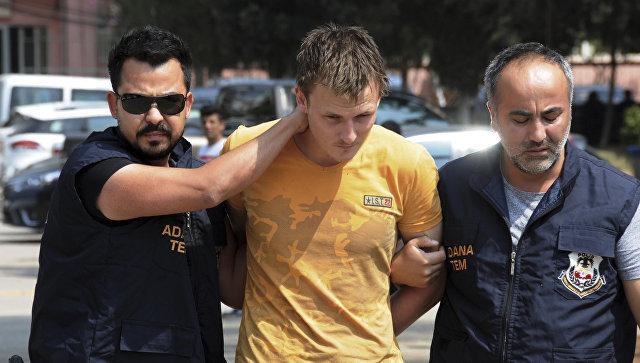 Россиянина, охотившегося в Турции за самолетом США, искал Интерпол. Россиянина, охотившегося в Турции за самолетом США, искал Интерп