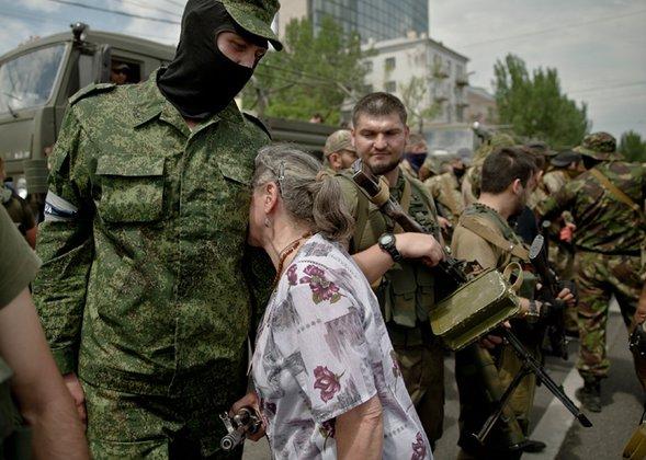 В Донецк прибыло подкрепление. В городе - комендатский час. Донецк. Защитник