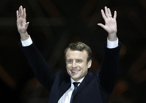 Сможет ли управлять Францией ее новый президент?