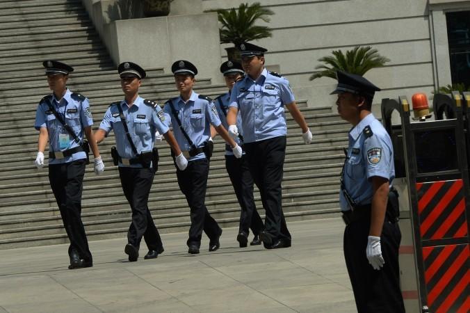 В Китае полицейский сел на 20 лет за взятки. В Китае полицейский сел на 20 лет за взятки
