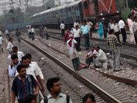 Поезд врезался в толпу инидийских паломников, 24 жертвы. 285574.jpeg