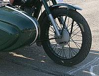 Два мотоциклиста тяжело пострадали в ДТП на юге Москвы