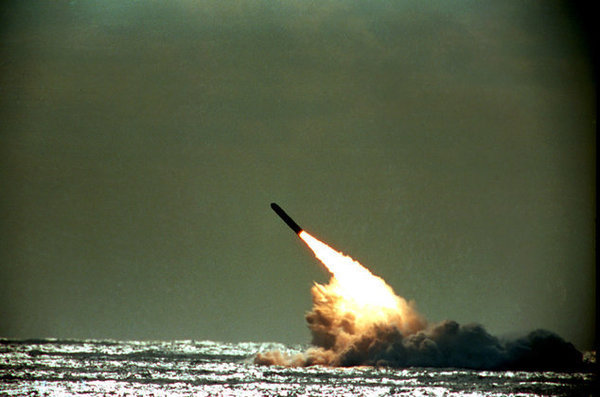 Путин был готов защитить Крым ядерным оружием. Подводный пуск ракеты