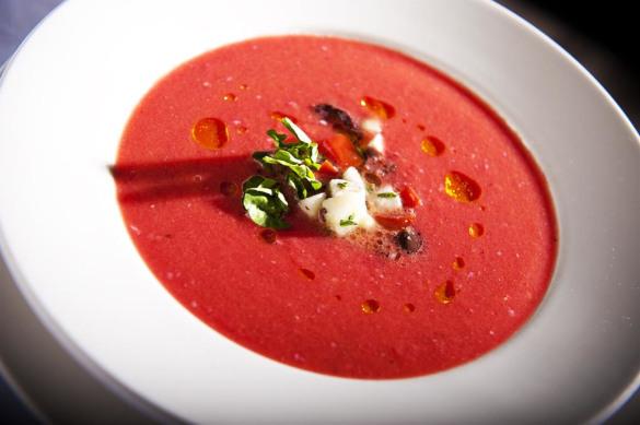 Вам арбуз копченый или с беконом?. суп