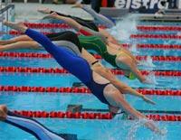 Россиянка установила мировой рекорд в заплыве на 100 метров