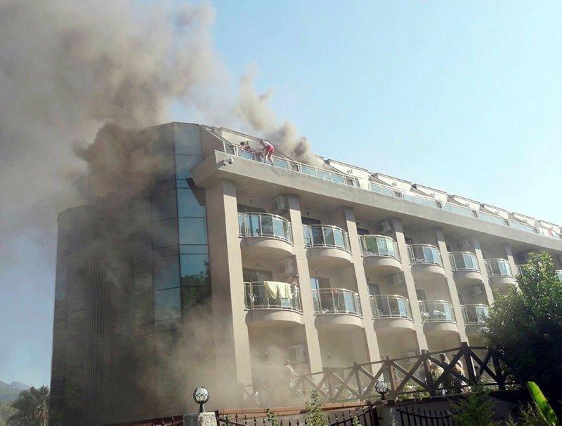 В Турции при пожаре в отеле пострадали четверо россиян