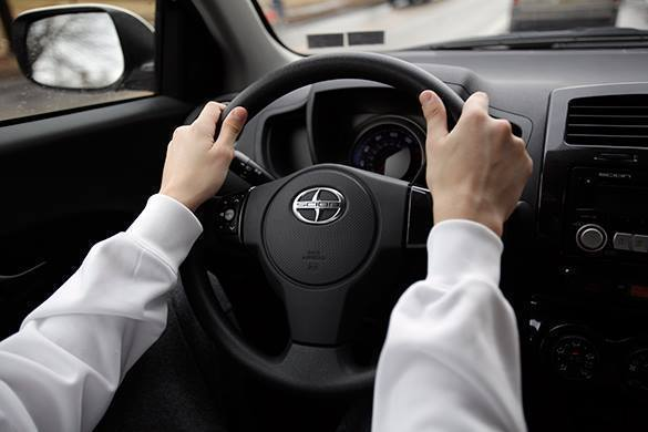 Вождение машины развивает правое полушарие мозга и подсознательн