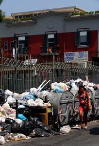 Дом Софи Лорен завален мусором и отходами