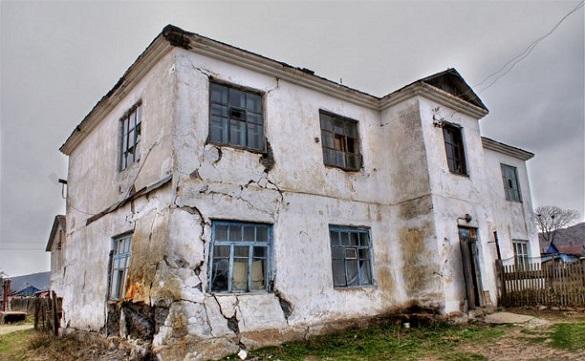 Десятая часть жиля на Сахалине признана ветхим или аварийным. 402590.jpeg