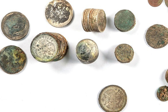 В центре Москвы нашли клад из медных и серебряных монет Царского времени. 398591.jpeg
