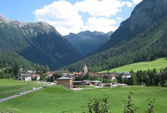 Туристам запретили фотографировать деревню вШвейцарии из-за еекрасоты