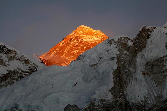 Альпинисты рассказали про обрушение Эвереста
