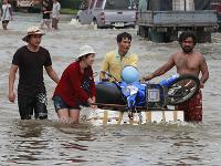 Из-за наводнения прорвало главную дамбу Бангкока. 247602.jpeg