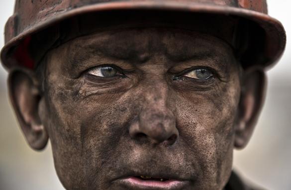 Украина объявила 5 марта днем траура по погибшим горнякам. В Украине день траура по погибшим горнякам
