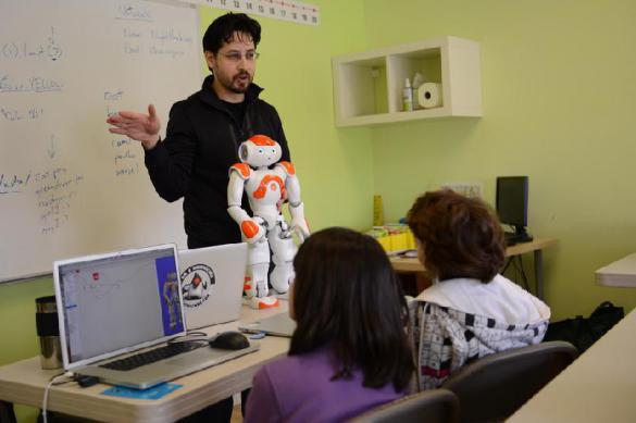 В Финляндии учителей заменять роботы. 384602.jpeg