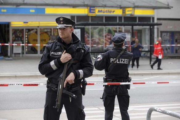 Напавший на посетителей супермаркета Гамбурге фигурировал в полицейских списках исламистов. 372607.jpeg