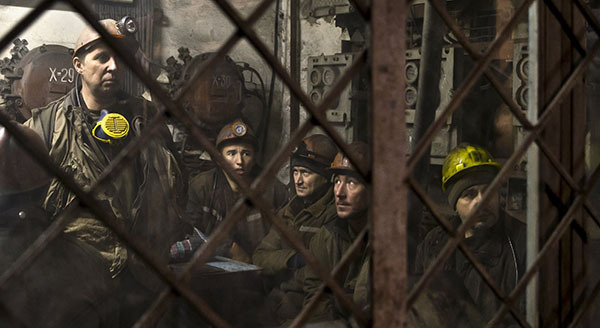 На Украине бастуют около 20 тысяч шахтеров. шахтеры горняки шахты