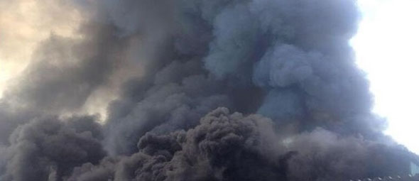 Чернобыль в огне: Пожар у АЭС признан критическим. дым