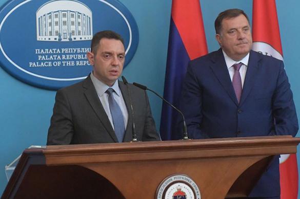 Сербия присоединилась кбоевой группеЕС с государством Украина