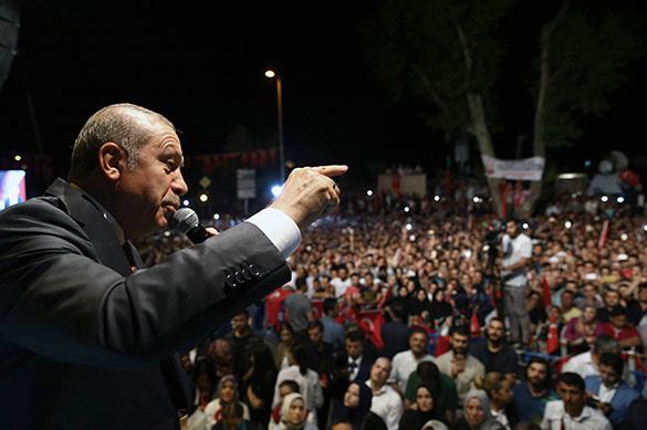 Эксперты недоумевают: Мятеж в Турции - спектакль Эрдогана?