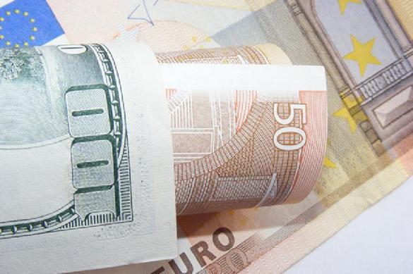 Россияне начали скупать валюту по  000 000 в день. 390610.jpeg