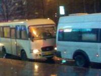 В Красноярске столкнулись три маршрутных автобуса